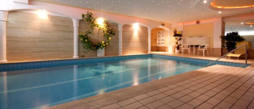 Austria_Seefeld_Seefelderhof_indoor_pool.jpg